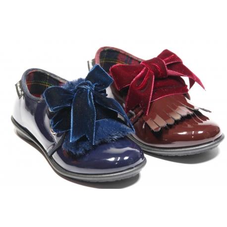 Sapato TITANITOS com atacador veludo e 3 palas franjas diferentes