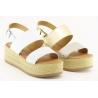 Sandalia com plataforma de 3.5cm, com palmilha de conforto