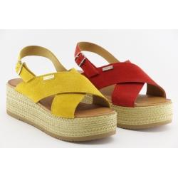 Sandalia de tiras cruzadas com plataforma de 3.5cm, com palmilha de conforto