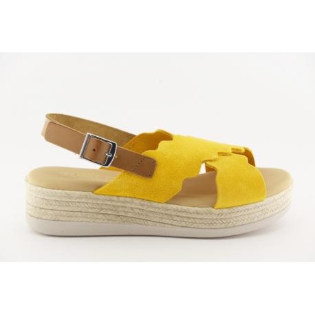 Sandália paltaforma em pele palmilha almofadada