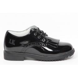 Sapato de verniz com atacador