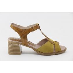 Sandalia Pitillos com salto médio e palmilha de conforto